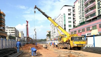 受航空管制影响,梅城梅塘东路部分路面改造将改为夜间施工