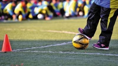 梅州两球队代表广东   出战全国青少年足球冠军杯赛