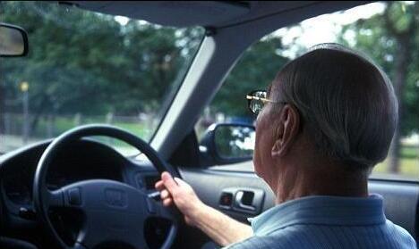 日本上千老年人因患痴呆症被取消驾驶资格