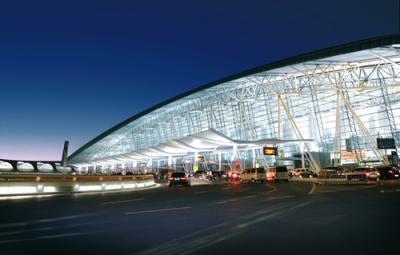 8日起白云机场迎客流高峰,北行车辆请勿借道机场高速