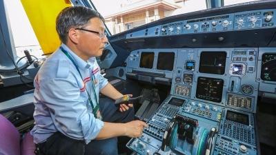 """""""飞机医生""""徐城基:为飞机保驾护航31年"""