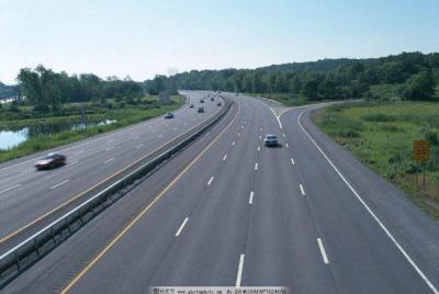 交通运输部:推动取消高速公路省界收费站
