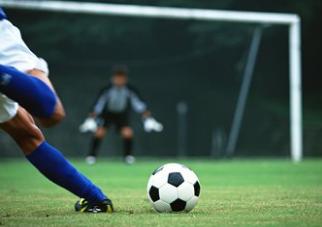 发掘未来之星!我市举行校园足球夏令营最佳阵容选拔