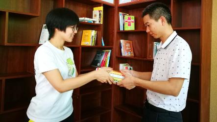 好棒!梅城香榭丽社区有了个书屋,居民免费阅读