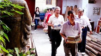 """美丽梅州新闻摄影大赛丨七旬农民自办""""文化农家乐"""""""