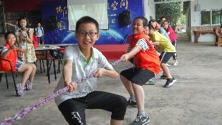 小记者钟宇堃作品丨拔河比赛的胜利