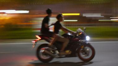 客都议事厅丨深夜飙车扰民陋习须摒弃