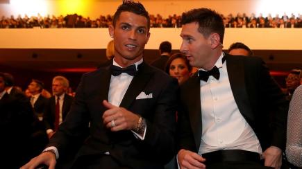 世界足球先生三人候选名单出炉,C罗入选梅西落选