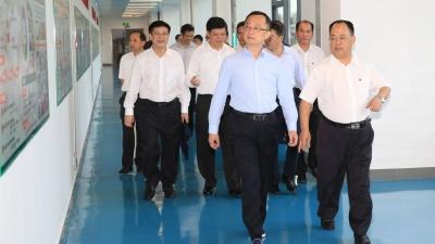 陈敏到梅州卷烟厂调研:做强企业做优品牌,当好实体经济振兴的表率