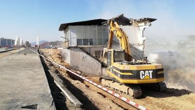 客都大桥东端连接线项目进展如何?这里有答案,今天一房屋被强拆