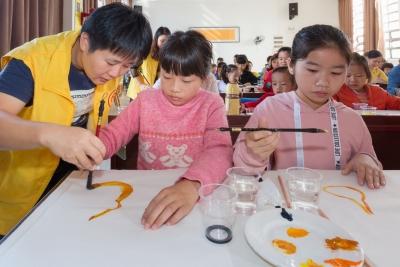 """梅州农村逾4万留守儿童,谁来""""输送""""他们爱与暖?"""