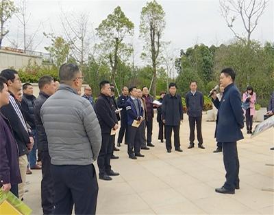 陈伟明以普通党员身份参加市蕉华区委会主题党日活动