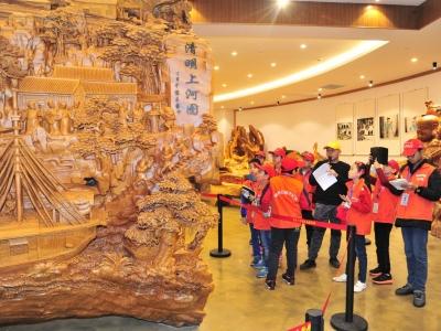 观文物,铭历史!梅州日报小记者参观红色文物收藏展
