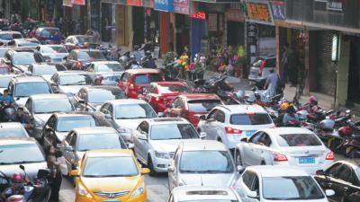 梅城交通拥堵问题怎么破?来听听委员们怎么说...