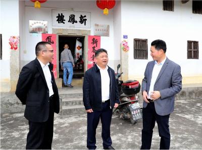 吴晖率队到长布调研:用活灵山秀水资源 建设长寿长布家园
