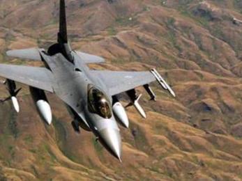 印度一战机在克什米尔坠毁 巴基斯坦军方称击落2架飞机