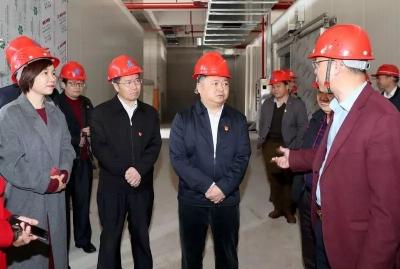 吴晖朱少辉率队走访节后开工企业和重点社会民生项目