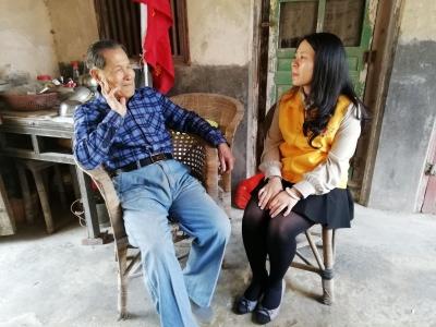她,一位平凡又美丽的志愿者——记梅州市爱心天使义工协会理事李苑