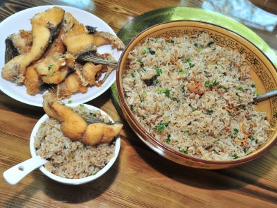 寻访民间客家菜名品丨不是每一碗米饭都叫石扇鱼焖饭