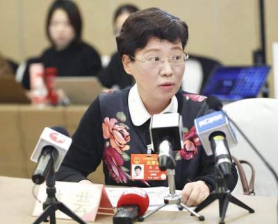 樊芸代表:建议及早明确网约车平台所应承担的法律责任