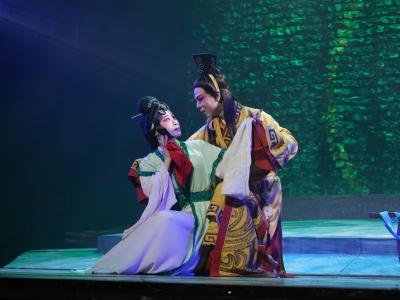 """《蝴蝶梦》""""翩飞""""武汉中南剧院!专家盛赞""""南国牡丹"""""""