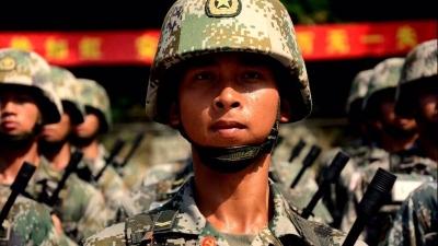 """""""光辉人生""""闪耀""""光荣之家""""!年仅23岁的梅州退伍军人为救溺水者牺牲"""