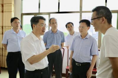 朱少辉调研五华精准扶贫新一轮驻村干部对接情况