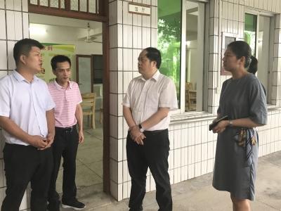 闫景军到梅县区梅江区调研养老服务工作