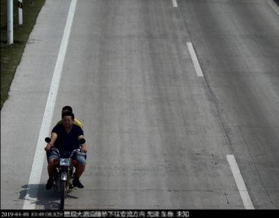 史上最严!五华曝光第三批骑摩托车不戴安全头盔交通违法人员