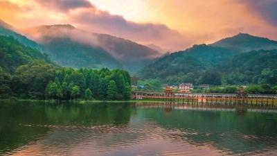 每日一景丨梦幻泮坑,这里有美丽的山色湖光