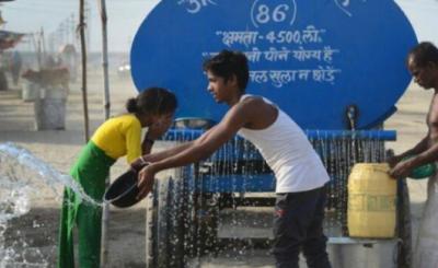 印度多地高温难耐 4人乘坐无空调火车被热死