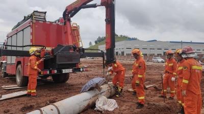 梅州V视丨致一工人死亡!梅县一工地打桩柱倒塌