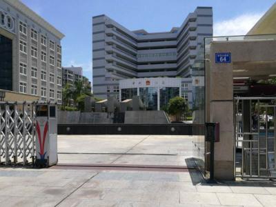 省法院相关负责人向在梅省人大代表通报省法院工作