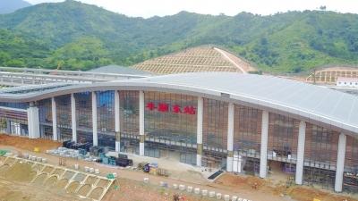 先睹为快!梅汕高铁丰顺东站站房主体施工全部完成