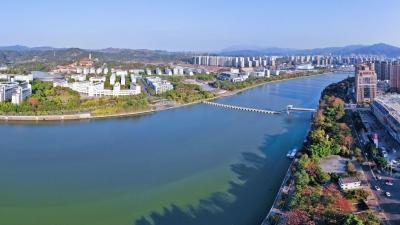 每日一景丨梅州一江两岸:荒滩土堤变身美丽城市花园