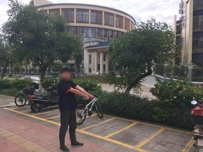 警惕!梅江区这些摩托车主停车后忘了这个动作,结果引来了...