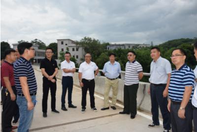 番禺区政协主席戴友华到五华调研对口帮扶工作并开展足球文化交流