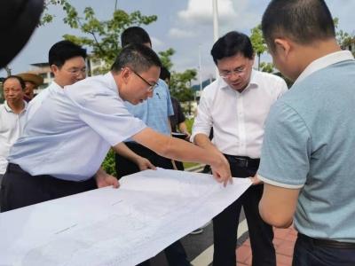 黄文沐带队调研城区环境综合整治工作