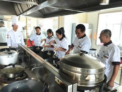 做好家乡菜,找到好工作!丰顺这个厨师培训班开班啦