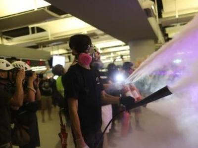 香港暴徒又闹事!西铁元朗站惨遭毁坏