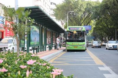 梅城32座公交站亭,本月底全部改造完工!