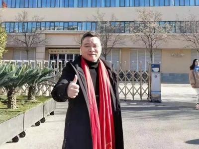 厉害!梅州音乐人张伟东将携原创作品赴京参加《向经典致敬》总展演