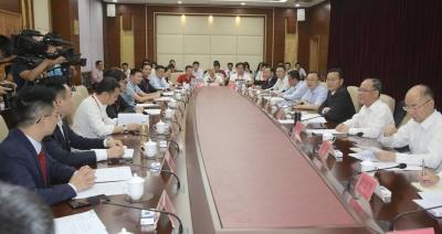 家乡的互联网产业该如何发展?梅州互联网乡贤企业家座谈会举行