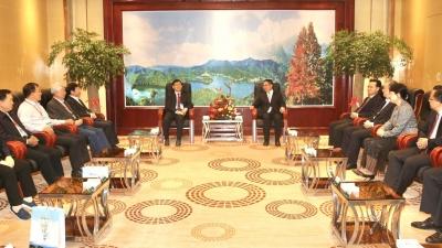 叶贞琴等省市领导会见参加世界长寿乡生物与大健康高峰论坛的院士专家代表