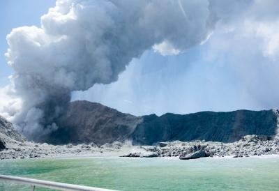 新西兰火山喷发已致5人遇难 伤者和失踪者中有中国公民