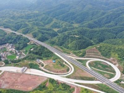 聚焦政府工作报告丨2019年,梅州实现市区到县城全部通达高速