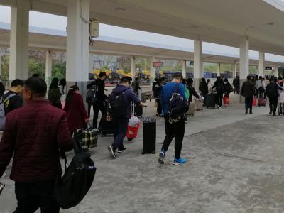 预计年初六迎来客流最高峰!春运首日梅州火车站运营有序