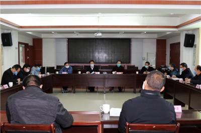 梅江区召开区委常委会会议暨疫情防控领导小组(指挥部)会议