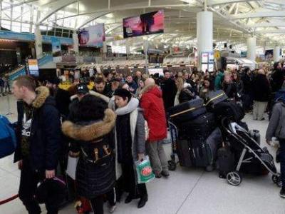 关注滞留海外中国游客!遇航班取消尽快另购机票