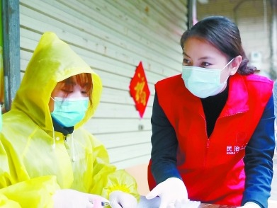 防疫志愿者队伍年轻党员团员过半   广东上岗志愿者超10万人
